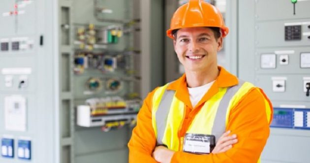 depositphotos_99348500-stock-photo-electrical-engineer-with-arms-crossed